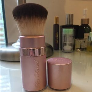 Too Faced Retractable Kabuki Brush NEVER USED